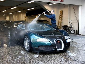 5 multas a las que te arriesgas...con el coche parado
