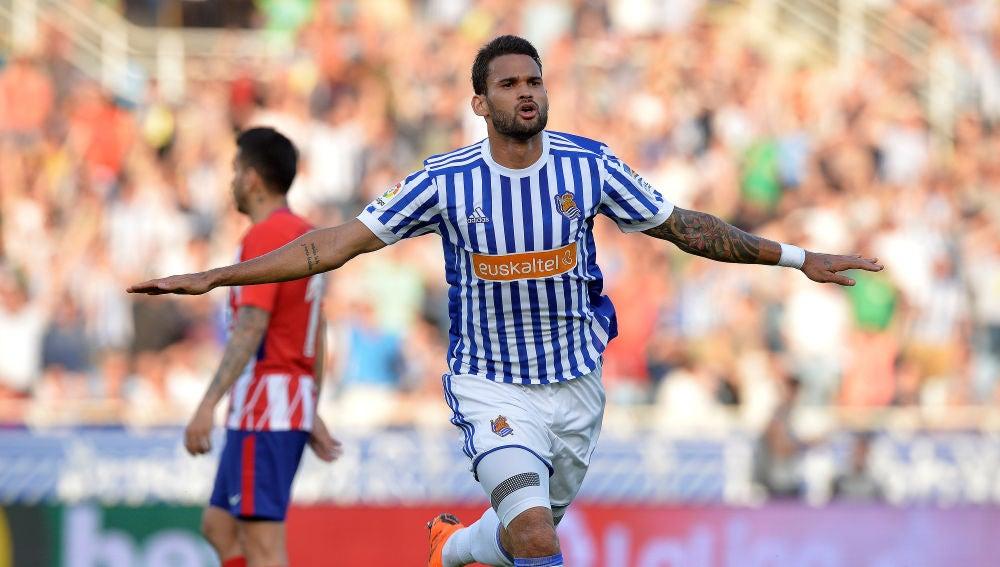Willian José celebra su gol contra el Atlético de Madrid
