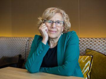 Manuela Carmena durante una entrevista