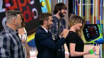 Anna Simon sufre 'un Letizia' en pleno directo de Zapeando