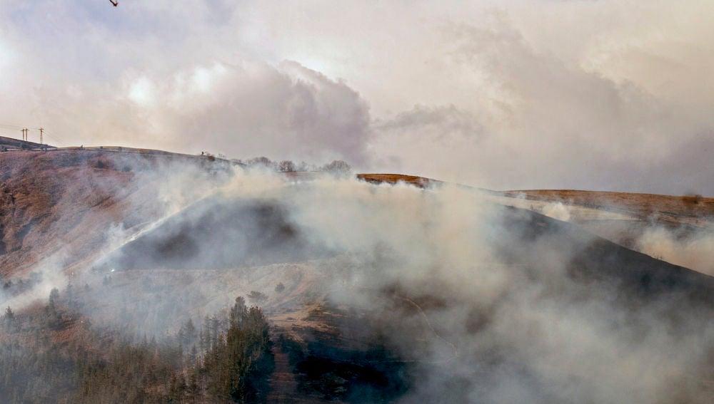 Imagen de archivo de un incendio en Cantabria