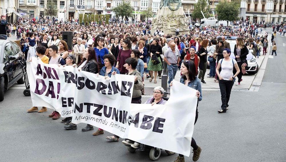 Manifestación en Vitoria en contra de la violencia machista