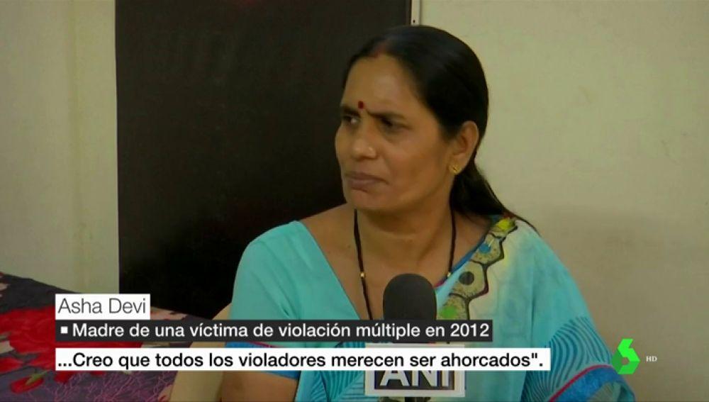 """La madre de una niña víctima de una violación múltiple en India: """"Todos los violadores merecen ser ahorcados"""""""