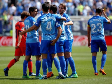 El Málaga celebra un gol