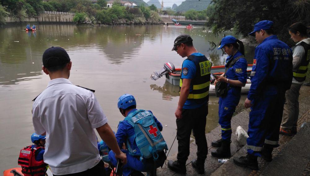 17 fallecidos por el hundimiento de un 'barco dragón'