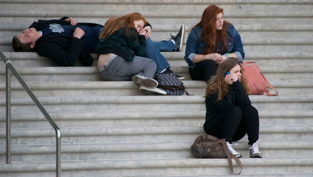 Algunos expertos aconsejan retrasar la hora de entrada a los institutos