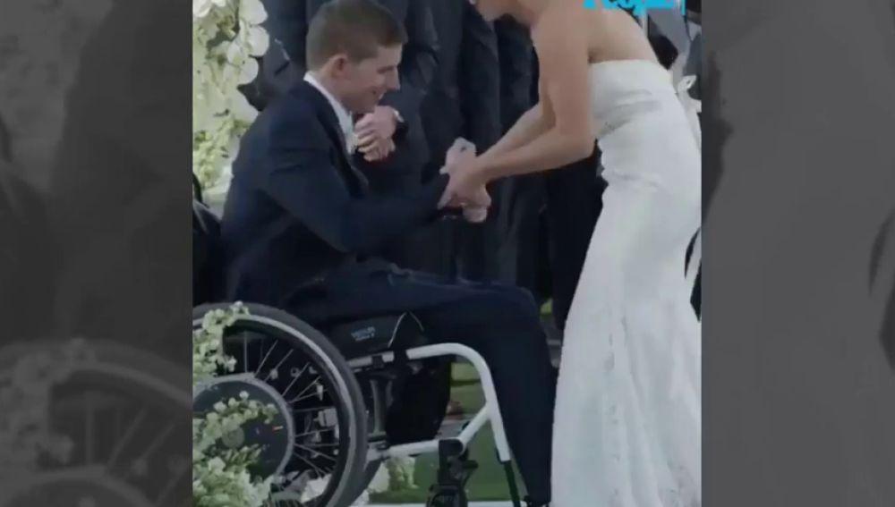 Un jugador de fútbol americano logra volver a andar el día de su boda tras quedarse parapléjico en 2010