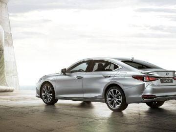 Lexus presenta el ES300h