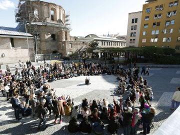 El movimiento feminista de Madrid se reúne en la madrileña Plaza de Agustín Lara