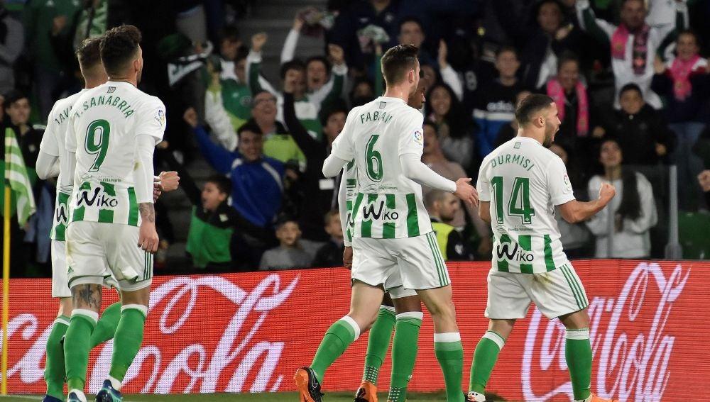 Durmisi celebra su gol contra el Málaga