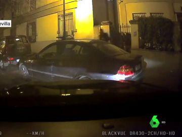 Lanzan piedras contra un vehículo Cabify en Sevilla