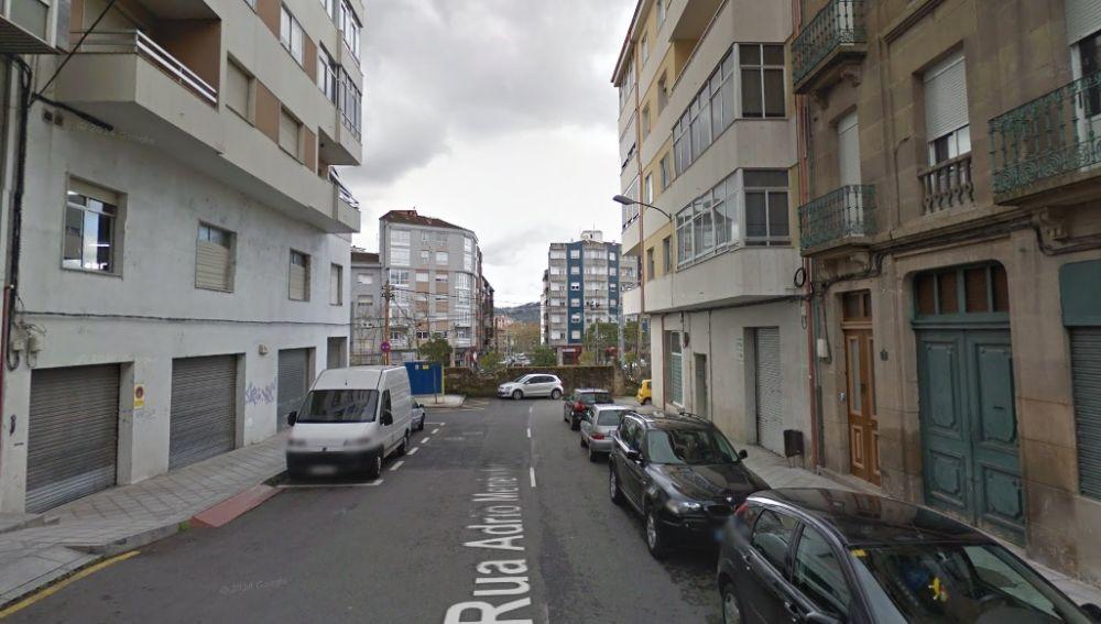 Inmediaciones del lugar en el que un agente empotró su vehículo contra una terraz en Ourense