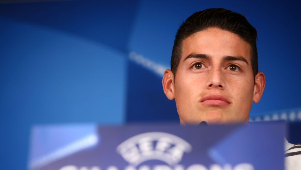James, en la sala de prensa del Santiago Bernabéu
