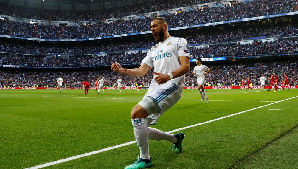 Benzema celebra el 1-1 en el Real Madrid - Bayern