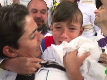 El emotivo regalo de Sergio Ramos a un niño tras pasar a la final de Kiev