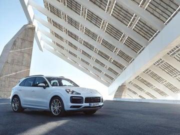 Porsche Cayenne E-Hybrid: el Cayenne híbrido enchufable quiere hacer olvidar la opción diésel