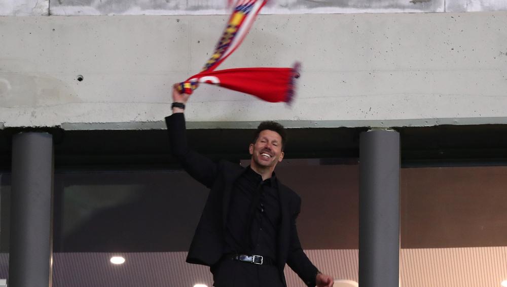 Simeone celebra el pase a la final de la Europa League del Atlético de Madrid
