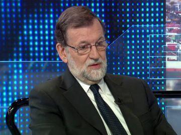 Noticias 1 Antena 3 (10-05-18) Rajoy rebaja la tensión con Ciudadanos por el artículo 155