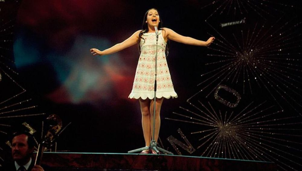 Massiel durante su actuación en el Festival de Eurovisión de 1968. (Foto: RTVE).