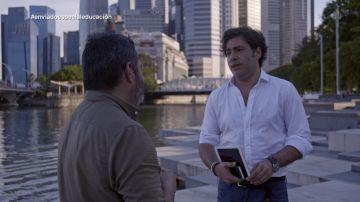 El bróker Emilio Monclús charla con Jalis de la Serna en Enviado especial: el país de la Educación