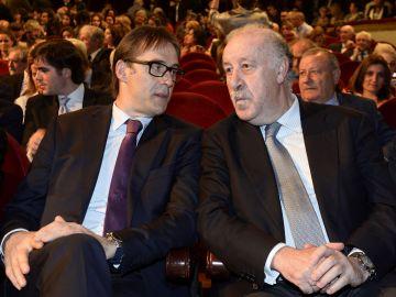 Lopetegui y Del Bosque charlan en una gala