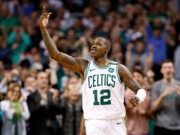 Terry Rozier celebra la victoria de los Boston Celtics