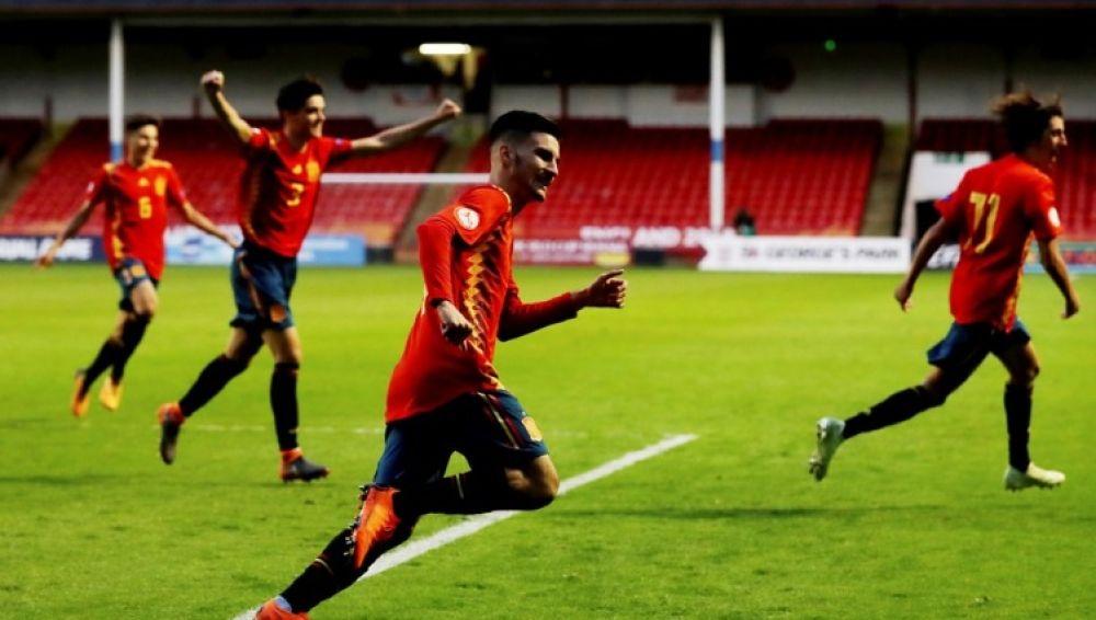 España celebra un gol ante Alemania