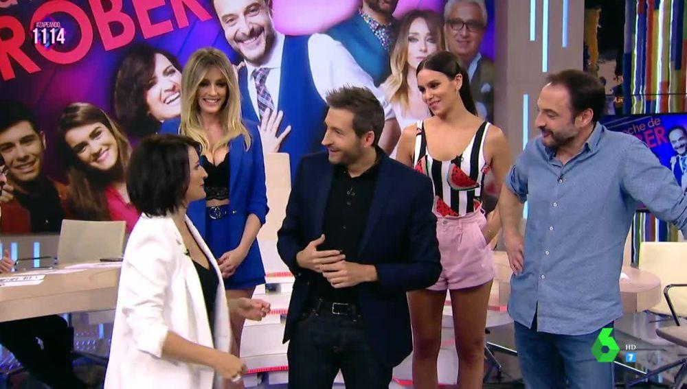 El divertido y loco paseíllo de Silvia Abril con Frank Blanco por el plató de Zapeando