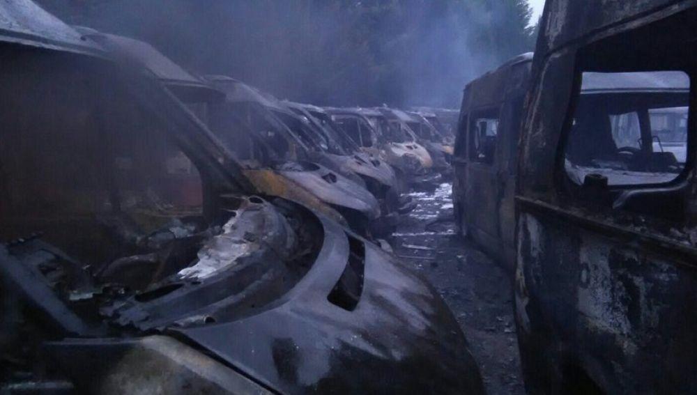 35 ambulancias resultan calcinadas