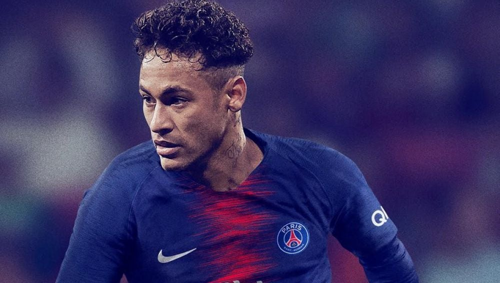 Neymar, con la nueva camiseta del PSG