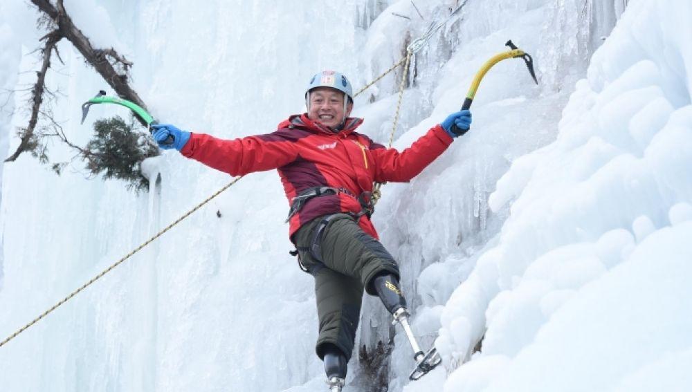 El escalador chino Xia Boyu