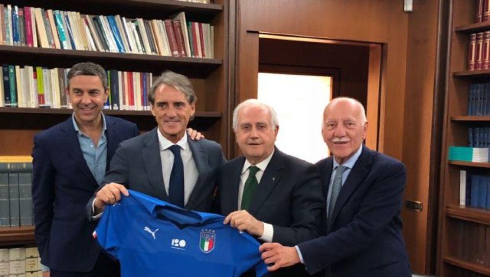 Mancini, presentado como nuevo técnico de la selección italiana