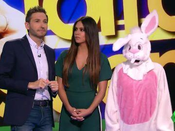 Zapeando resuelve el misterio del conejo amarillo de la papelera de Carles Puigdemont