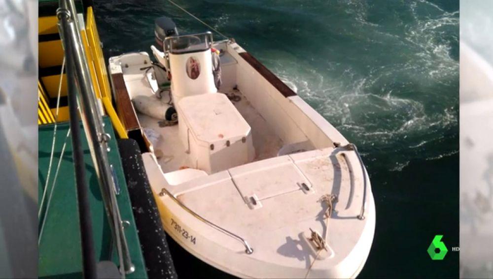 La embarcación en la que viajaba Manuel con su padre