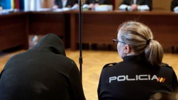 El acusado en el juicio por crear un perfil falso en la red social Badoo
