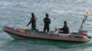 Una embarcación de la Guardia Civil