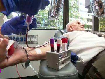 James Harrison, 'el hombre del brazo dorado': más de 1.170 donaciones de sangre a sus 81 años