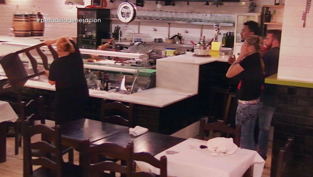LA SEXTA TV | PESADILLA EN LA COCINA - Lanzando sillas y rompiendo ...