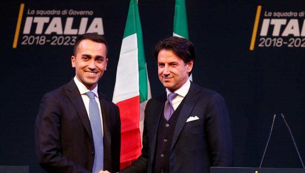 Giuseppe Conte (der), candidato a primer ministro en Italia