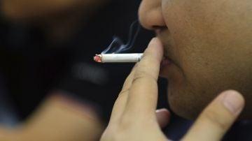 Un estudio revela que el tabaco daña los músculos de las piernas