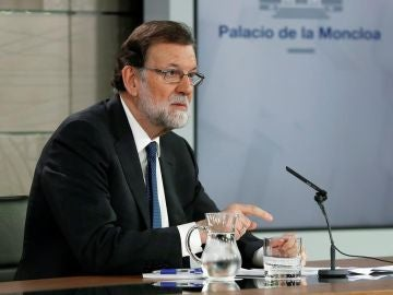Mariano Rajoy ante los medios de comunicación en La Moncloa