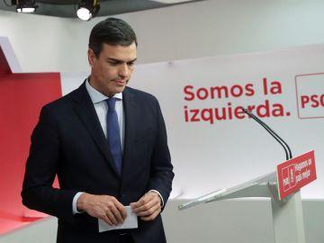 El secretario general del PSOE, Pedro Sánchez, durante la rueda de prensa tras la reunión de la Ejecutiva Federal del partido, en la sede de Ferraz
