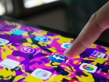 Compartir fotos y vídeos en las redes sociales hace que recordemos un 10% menos de las experiencias que vivimos