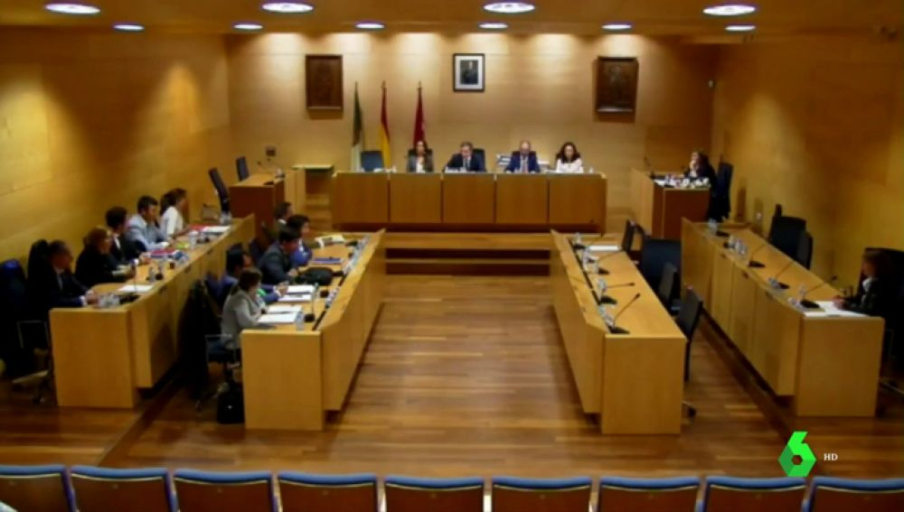 Rifirrafe en el pleno del Ayuntamiento de Boadilla, uno de los epicentros de la trama Gürtel en Madrid, debido a la sentencia