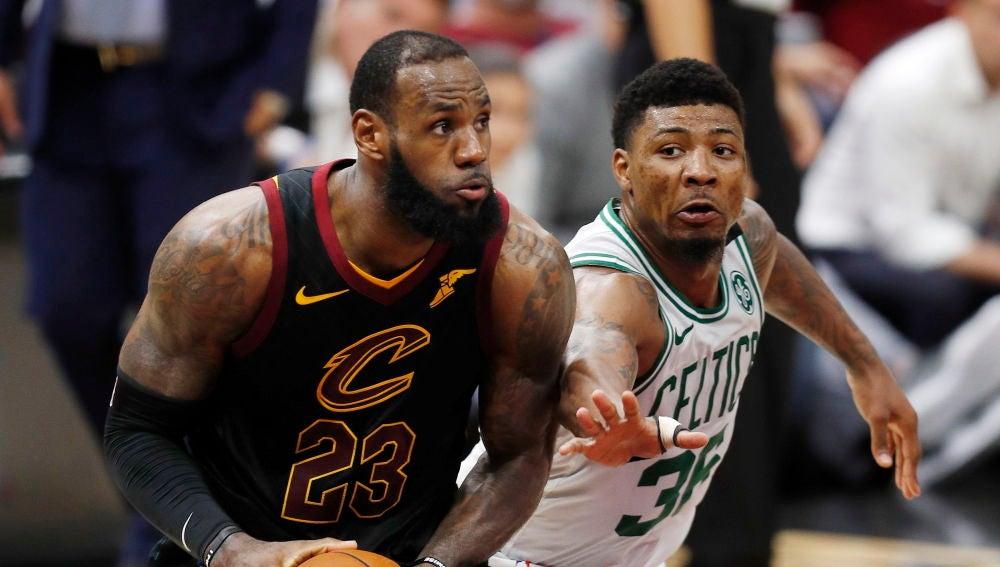 James ante los Celtics