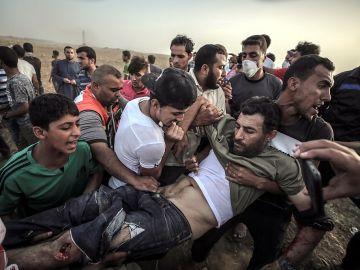 Heridos 86 palestinos en una nueva jornada de protestas en la franja de Gaza