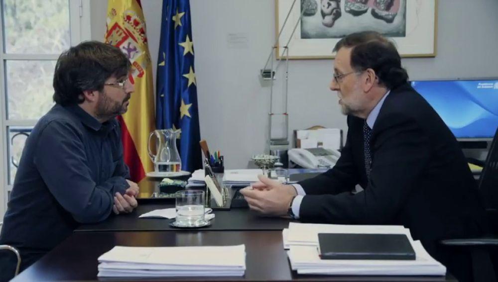 """Así reaccionó un incómodo Rajoy a las preguntas de Évole sobre Bárcenas: """"Momento de oro de la hemeroteca"""" de Salvados tras la sentencia de Gürtel"""