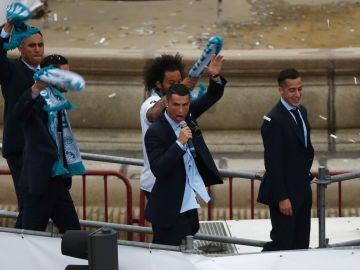 Cristiano Ronaldo, micrófono en mano en Cibeles