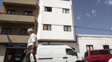 Edificio en Lanzarote, donde una mujer española fue detenida en 2015 acusada de captar chicas para el Dáesh