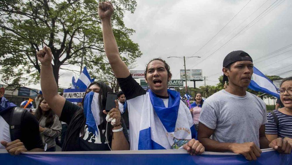 Cantidad de muertos en Nicaragua por protestas subió a 83